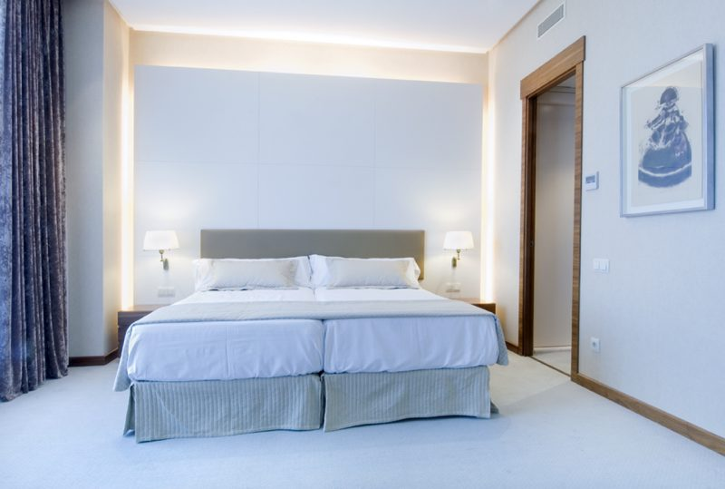 diseño interior habitación hotel